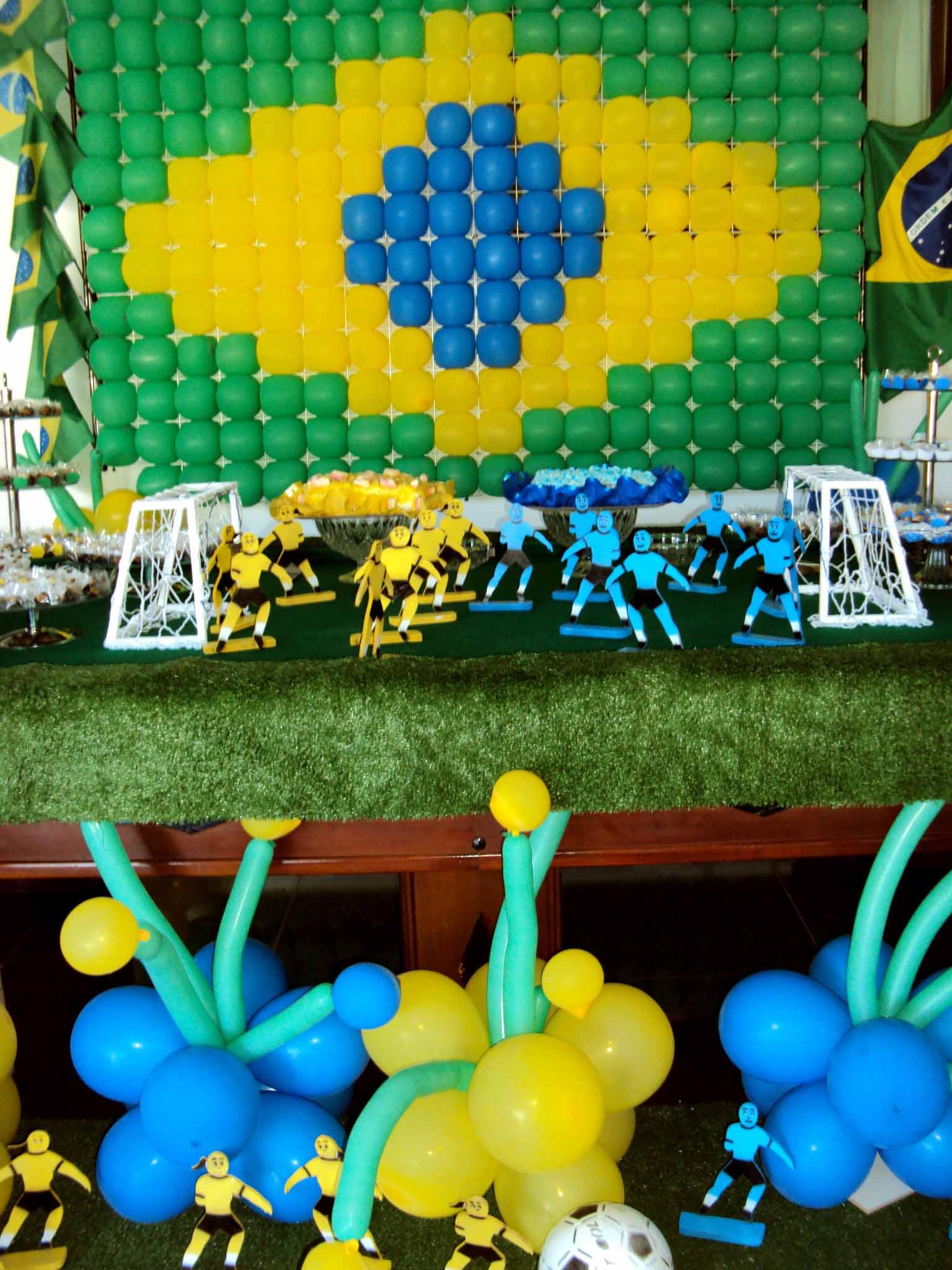 Decoração de Futebol para Mesa de Festas - Brasil