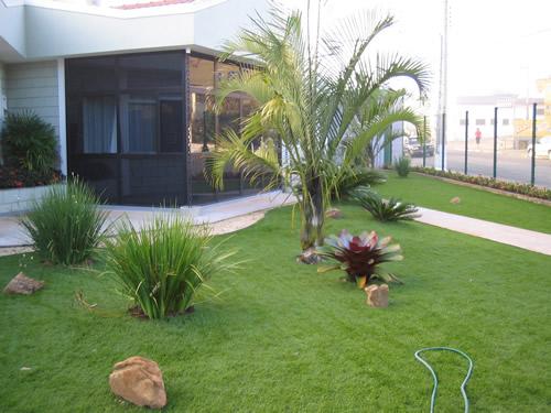 grama-artificial-para-jardim