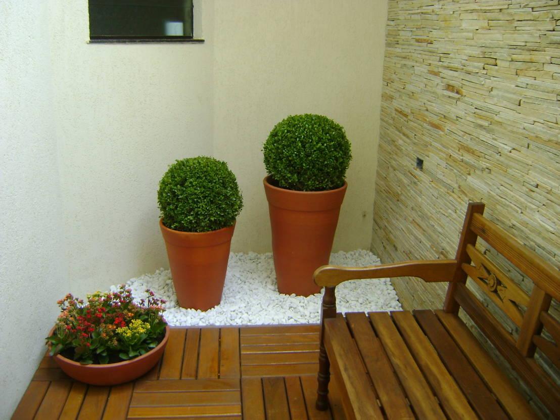 móveis dentro do jardim de inverno