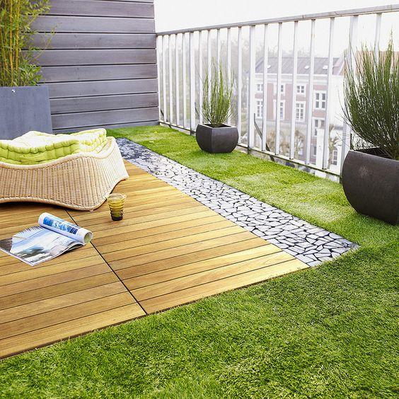 jardim artificial com deck de madeira