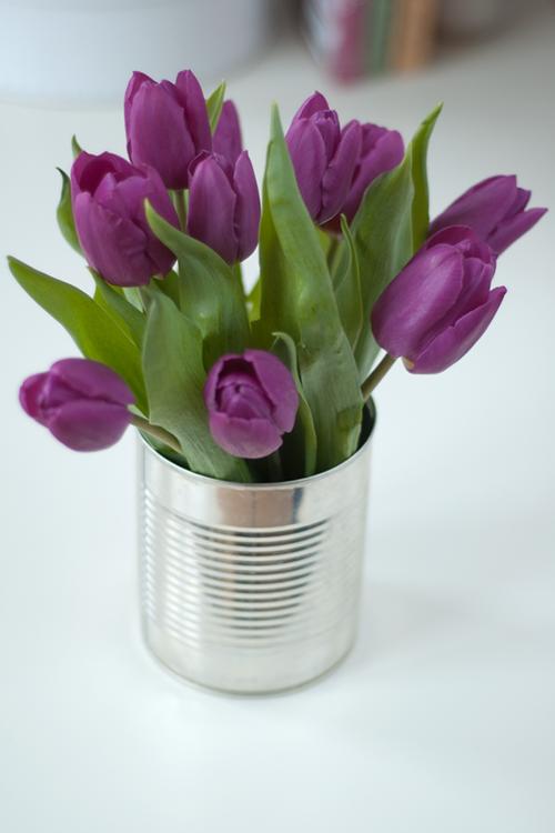 flor em lata de alumínio