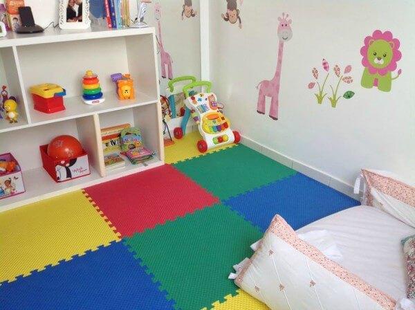 tapete de eva em quarto de criança