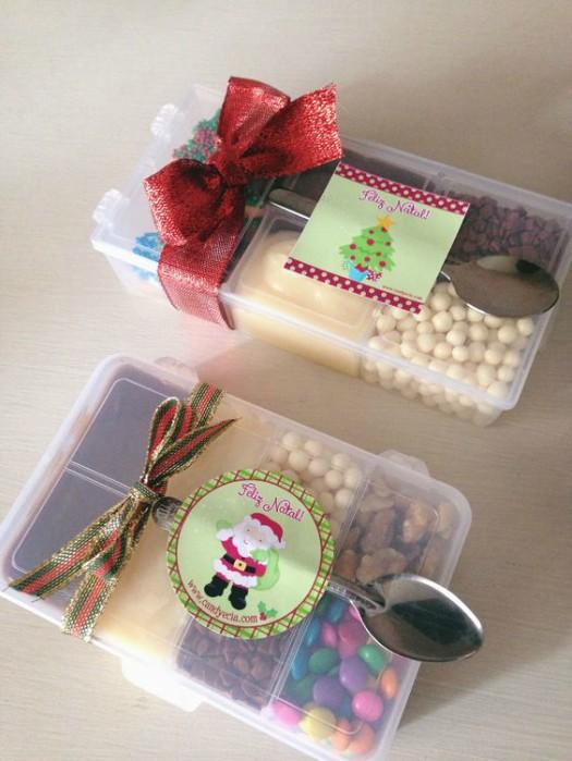 Pote com doces servidos como lembrancinha de festa de aniversario infantil