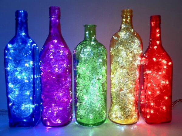 garrafas luminárias coloridads