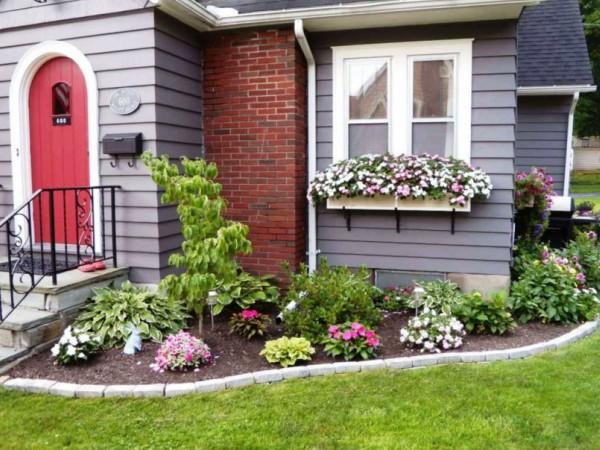 jardim simples em frente a casa