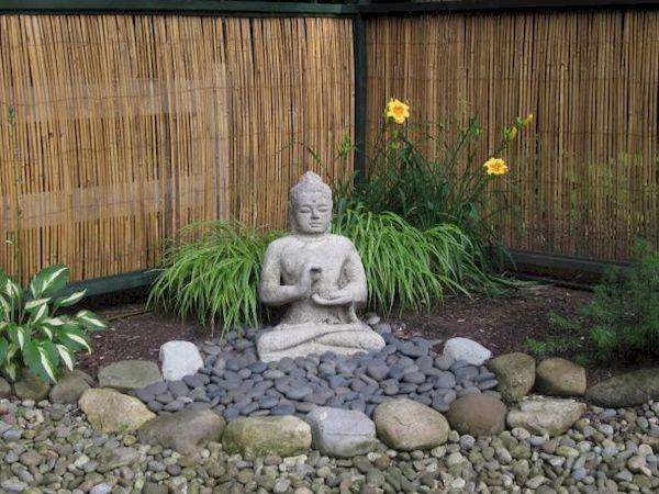 Decoração de pedras no jardim