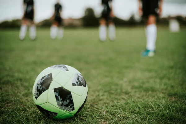 Esportes praticados na grama