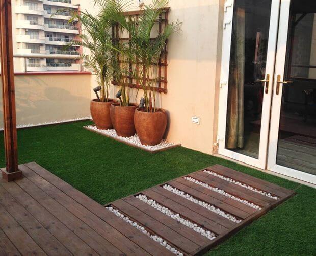 Jardim com base sintética