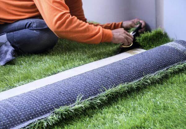 Do que é feita a grama sintética