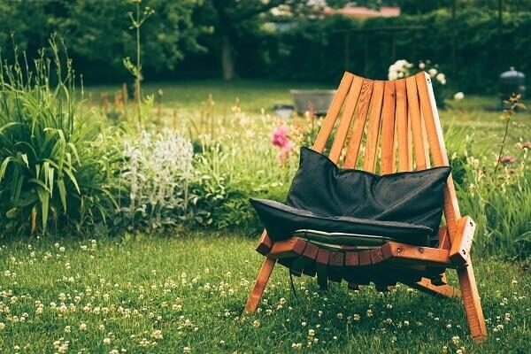 Saiba como escolher móveis para jardim